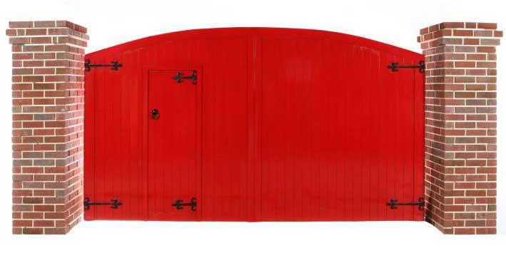 Courtyard Gate With Door - Red